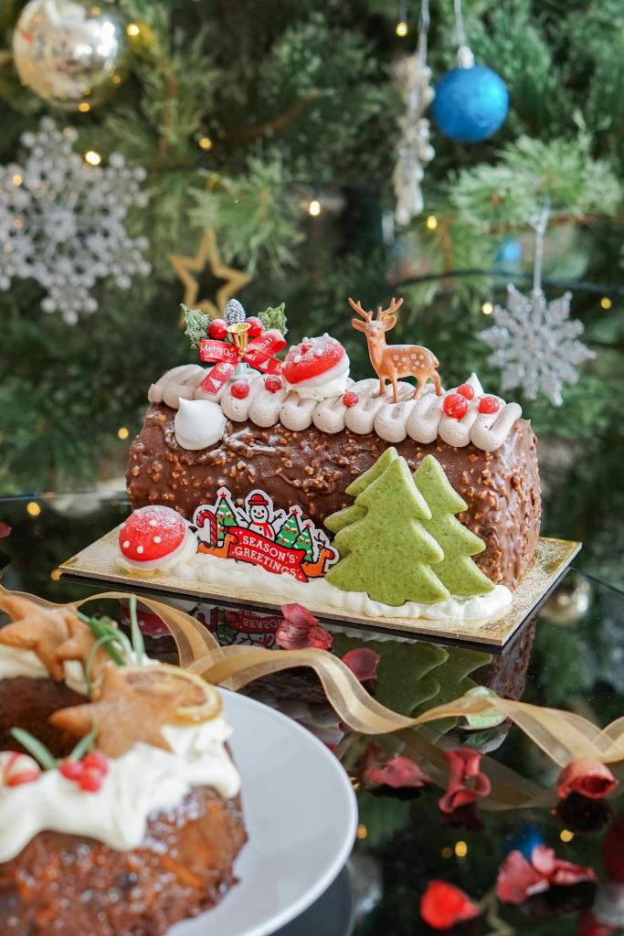 Polar Puffs The Enchanted Woodland Christmas Log Cake